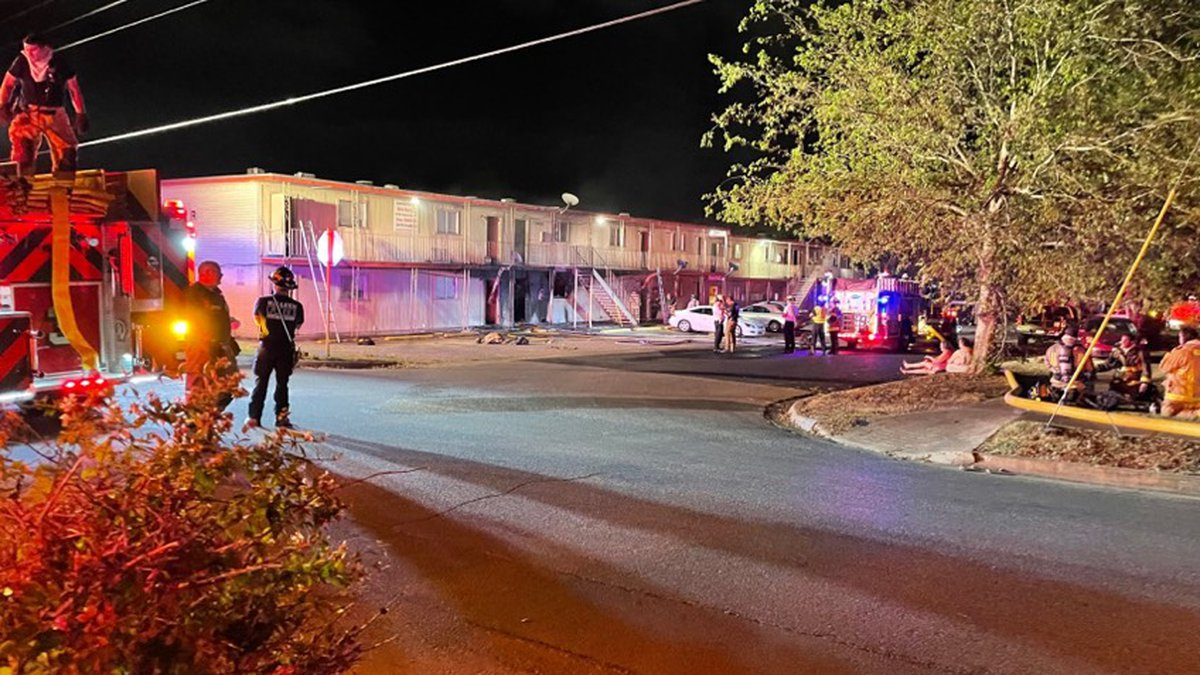 Crews extinguished fire at apartment complex in Killeen.