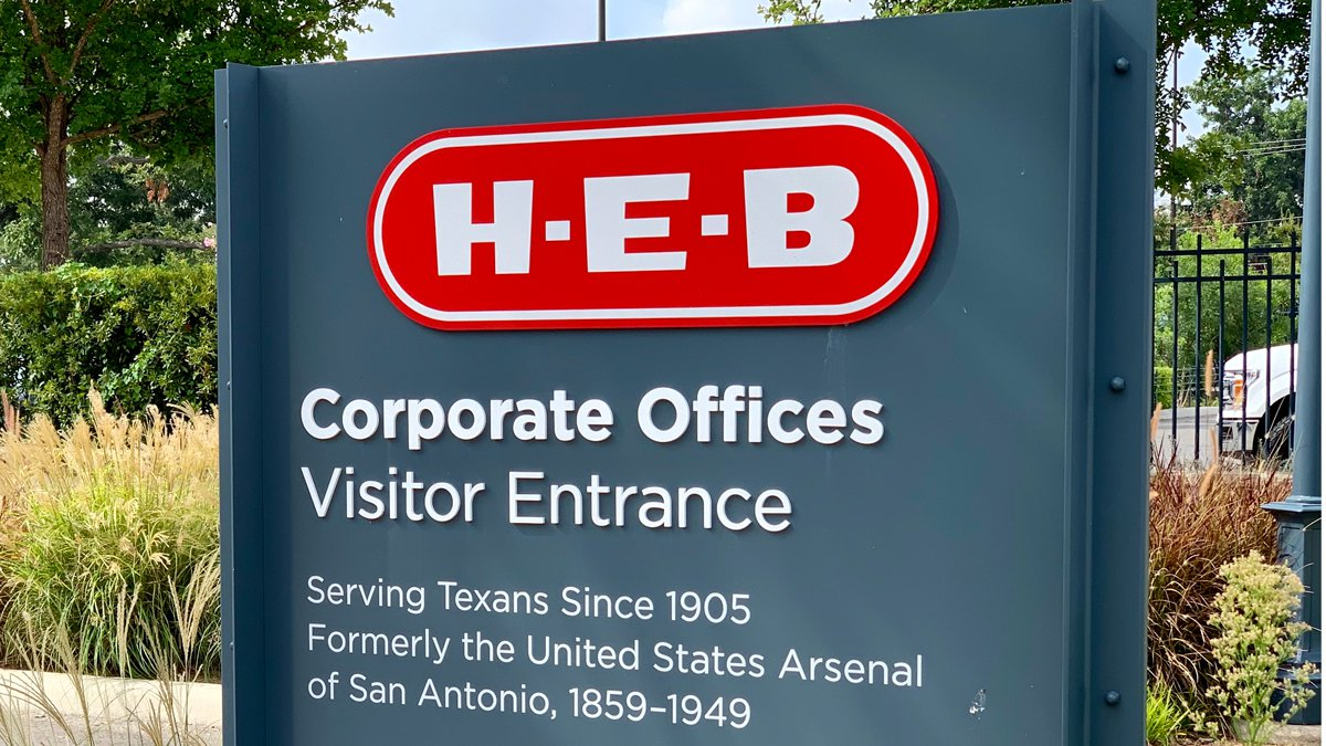 H-E-B announced plans Tuesday for a 250,000-square-foot addition to its regional distribution...