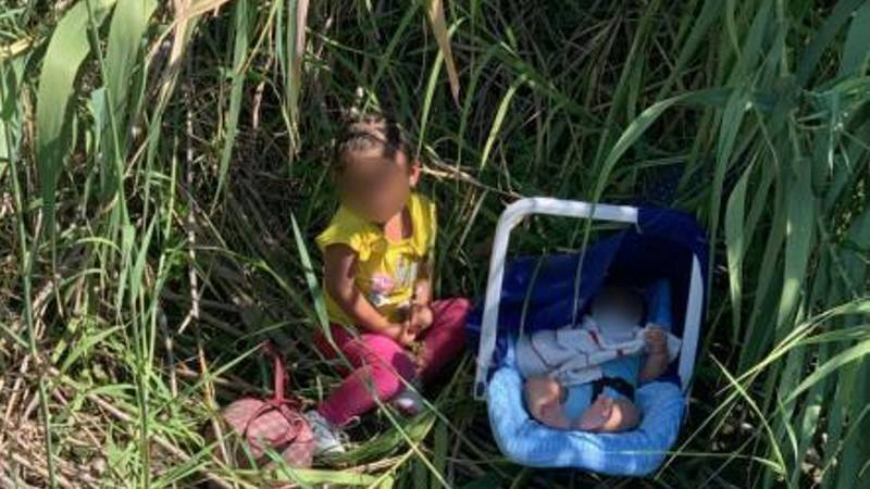 Two abandoned Toddlers were rescued by U.S. border patrol agents