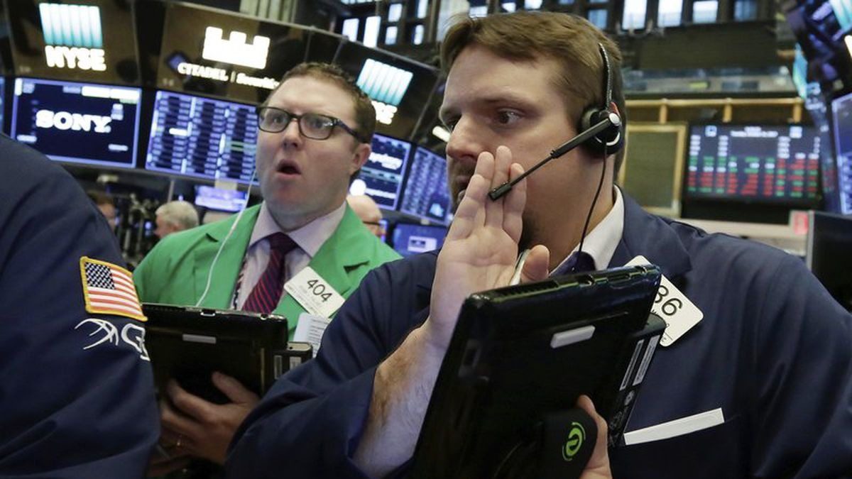 Wall Street's big rally let off the accelerator on Friday, despite a better-than-expected report on the U.S. job market. (File)