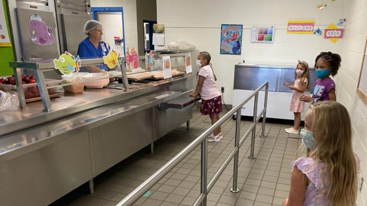 Students at Copperas Cove ISD receive meals during lunch.