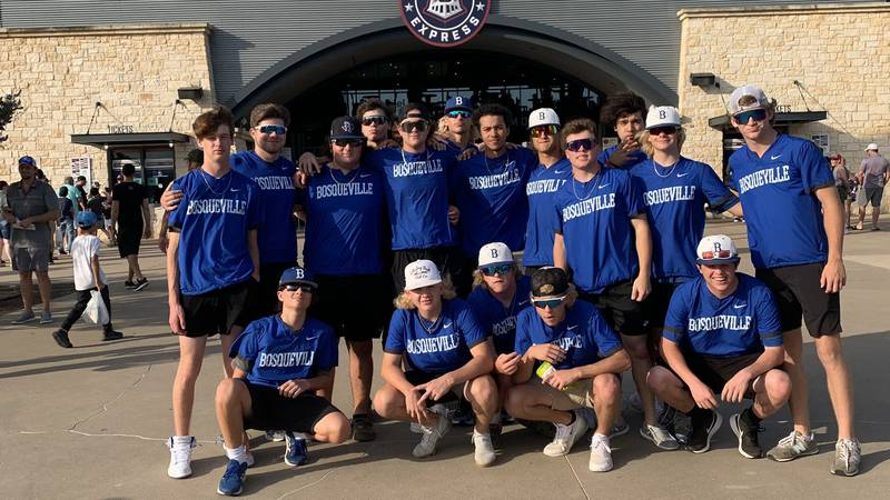 The Bosqueville Baseball team arrives in Round Rock ahead of state semifinals