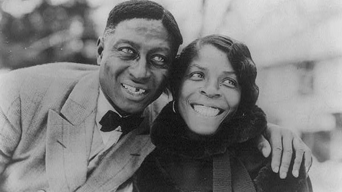 Huddie Ledbetter (Leadbelly) and Martha Promise Ledbetter, in 1935 in Wilton, Conn. (Lomax Collection/Library of Congress)