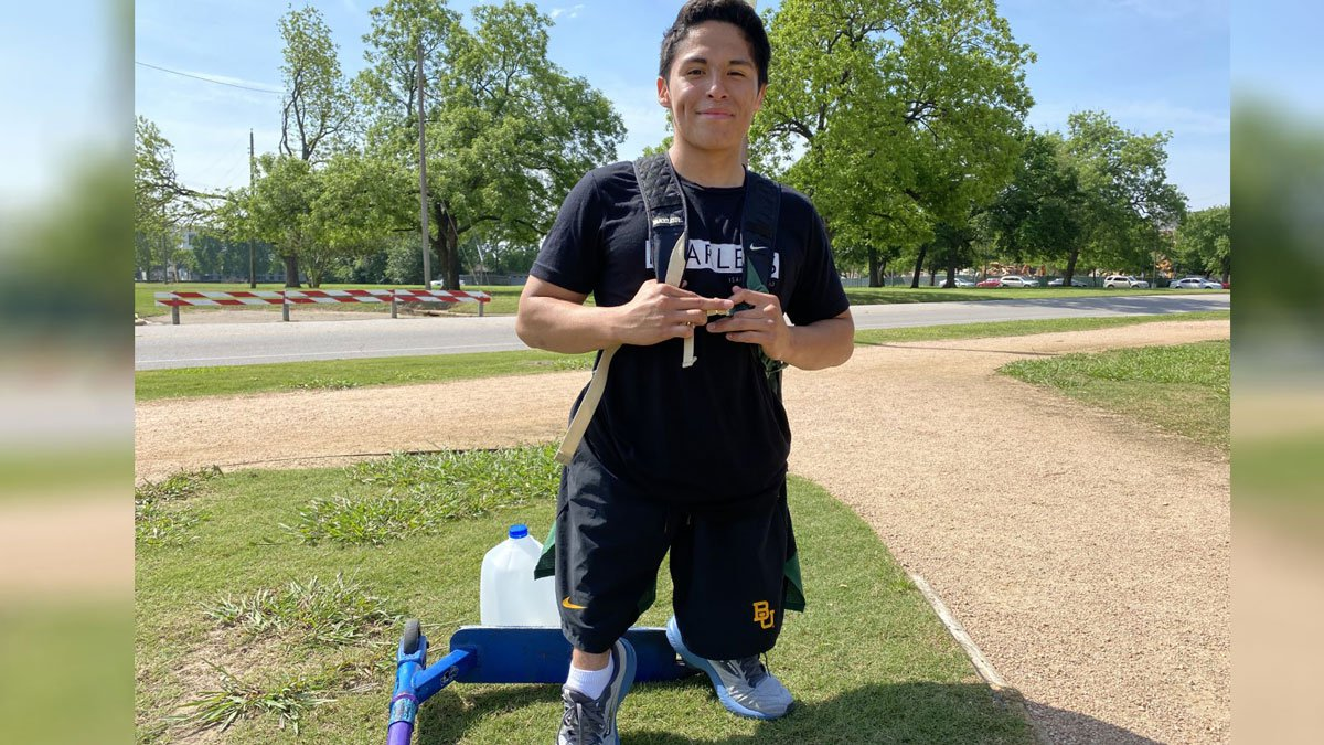 Baylor University sophomore Ricardo Benitez, who was born with a condition called femur...