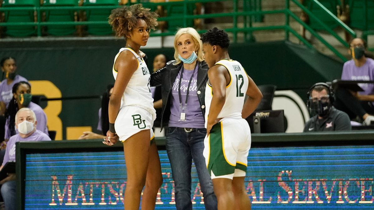 Coach Mulkey with Moon Ursin and Didi Richards earlier this season
