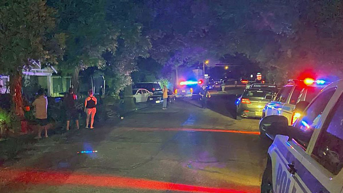Police shut down Lasker Avenue between North 25th and North 26th streets as they investigated the shooting. (Photo by Gordon Collier)
