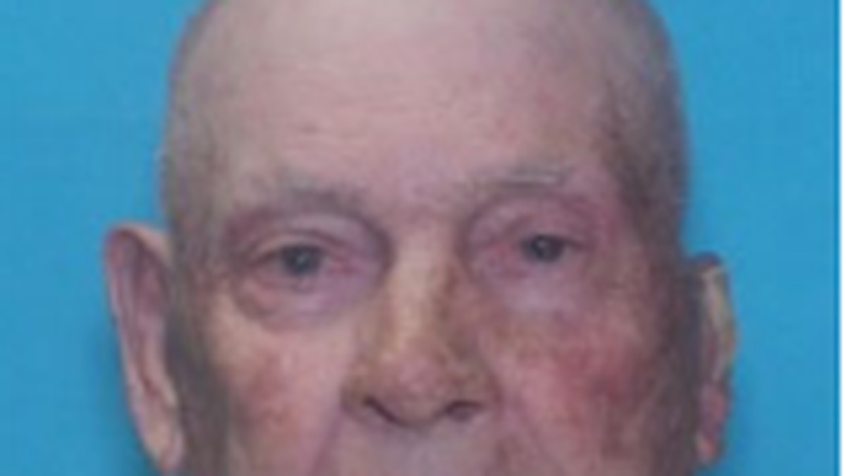 """John Hawley, diagnosed with a cognitive impairment, White, Male, 84 years old, 6'03"""" , 180 lbs."""