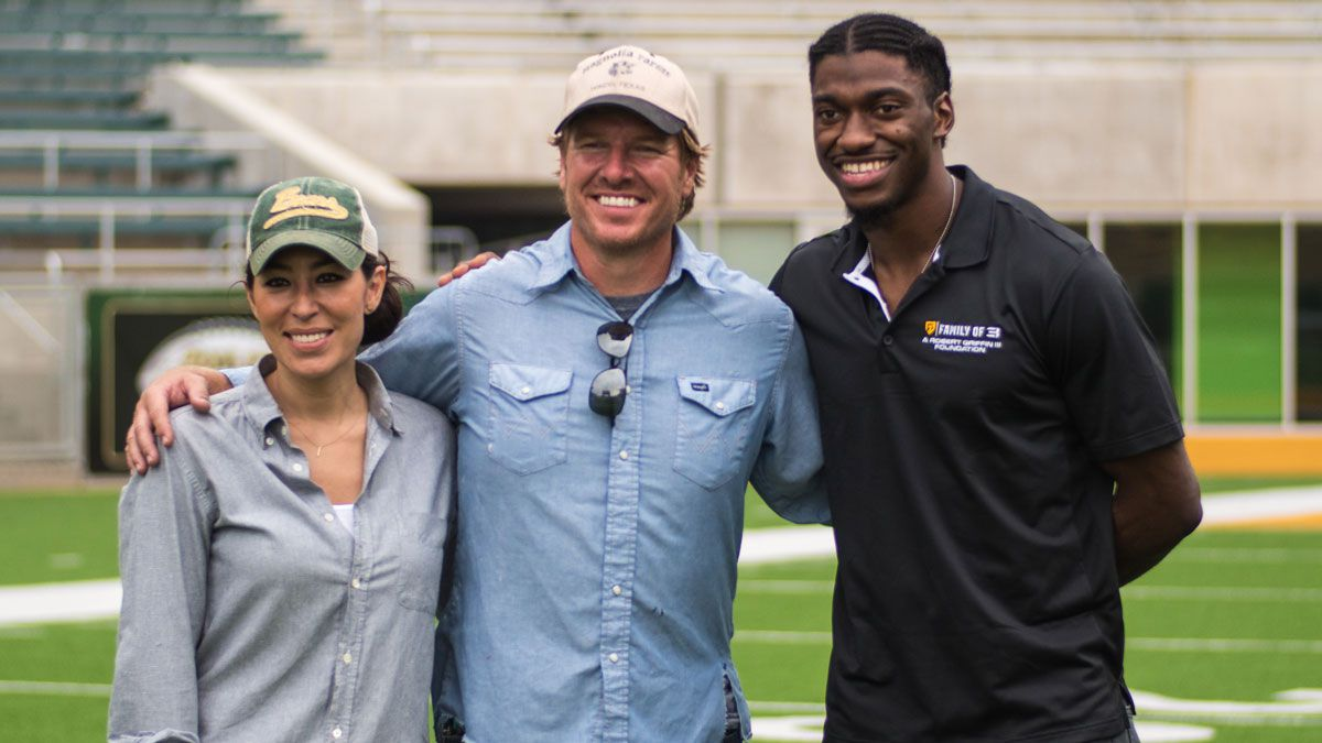 """Robert Griffin III with the stars of """"Fixer Upper,"""" Waco's Chip and Joanna..."""