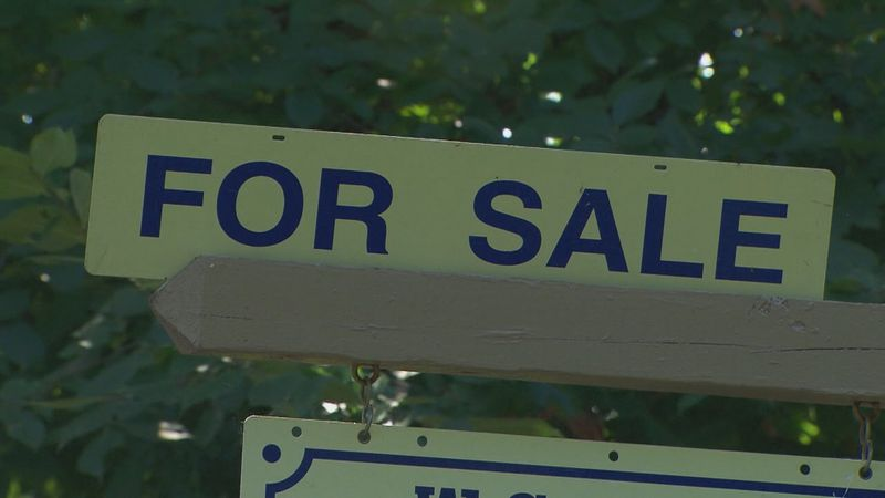 The number of Americans signing contracts to buy homes fell for the second straight month.
