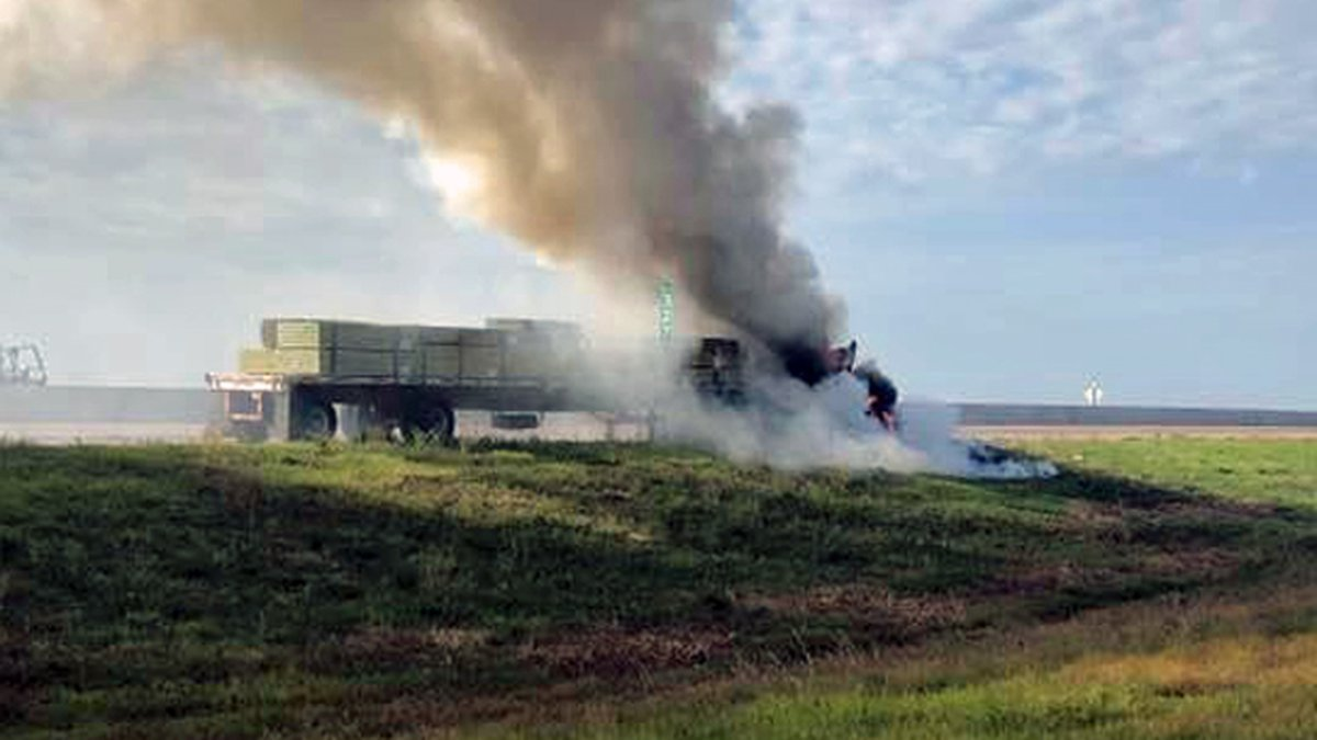 Traffic backed up for several miles because of the 18-wheeler fire. (Hewitt Police Dept. photo)