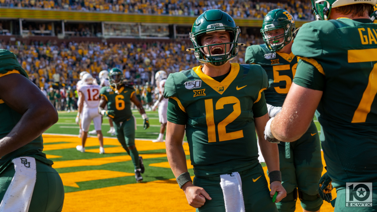 Baylor senior quarterback Charlie Brewer has been named to the preseason watch list for the Davey O'Brien award given annually to the nation's top quarterback, as announced by the Davey O'Brien Foundation Tuesday.