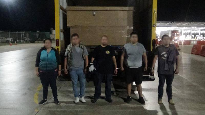 Laredo Federal agents stopped a human smuggling attempt.