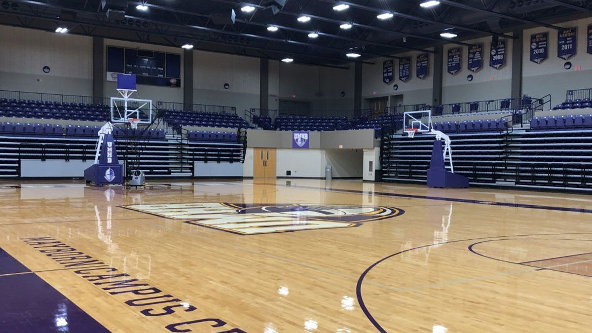 UMHB advanced to the Sectional Round for a second straight year after defeating UT Dallas Saturday 64-48. (Photo by Alex Gibbs)