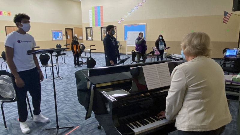 Choir students at Waco's University High School are learning to harmonize from a distance.