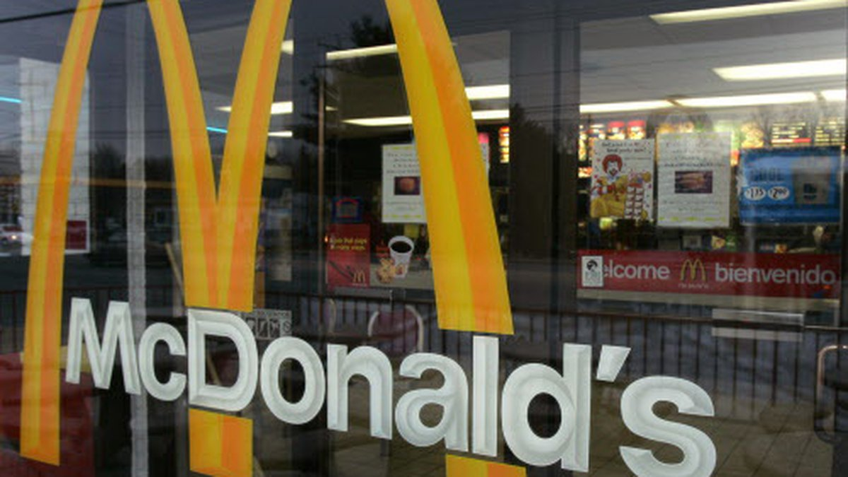 McDonald's restaurants across the state are hoping to hire 25,000 people next week. (File)