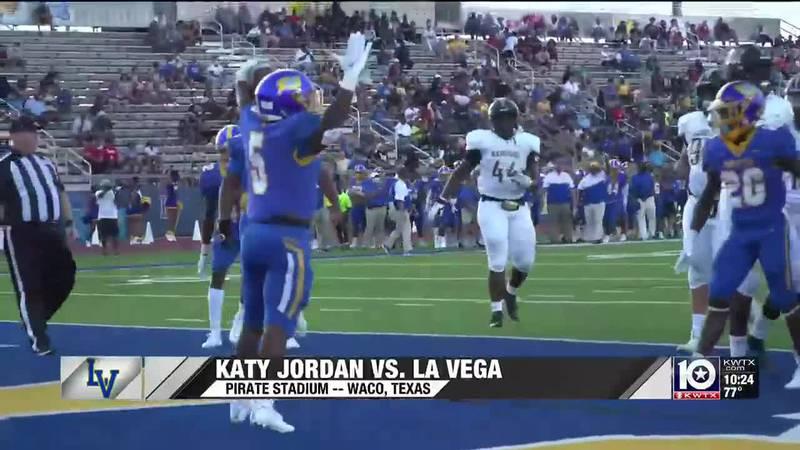 La Vega celebrates a touchdown against Katy Jordan